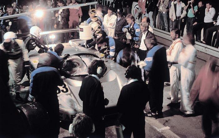 1989 Le Mans Sauber-Mercedes C9 pit stop