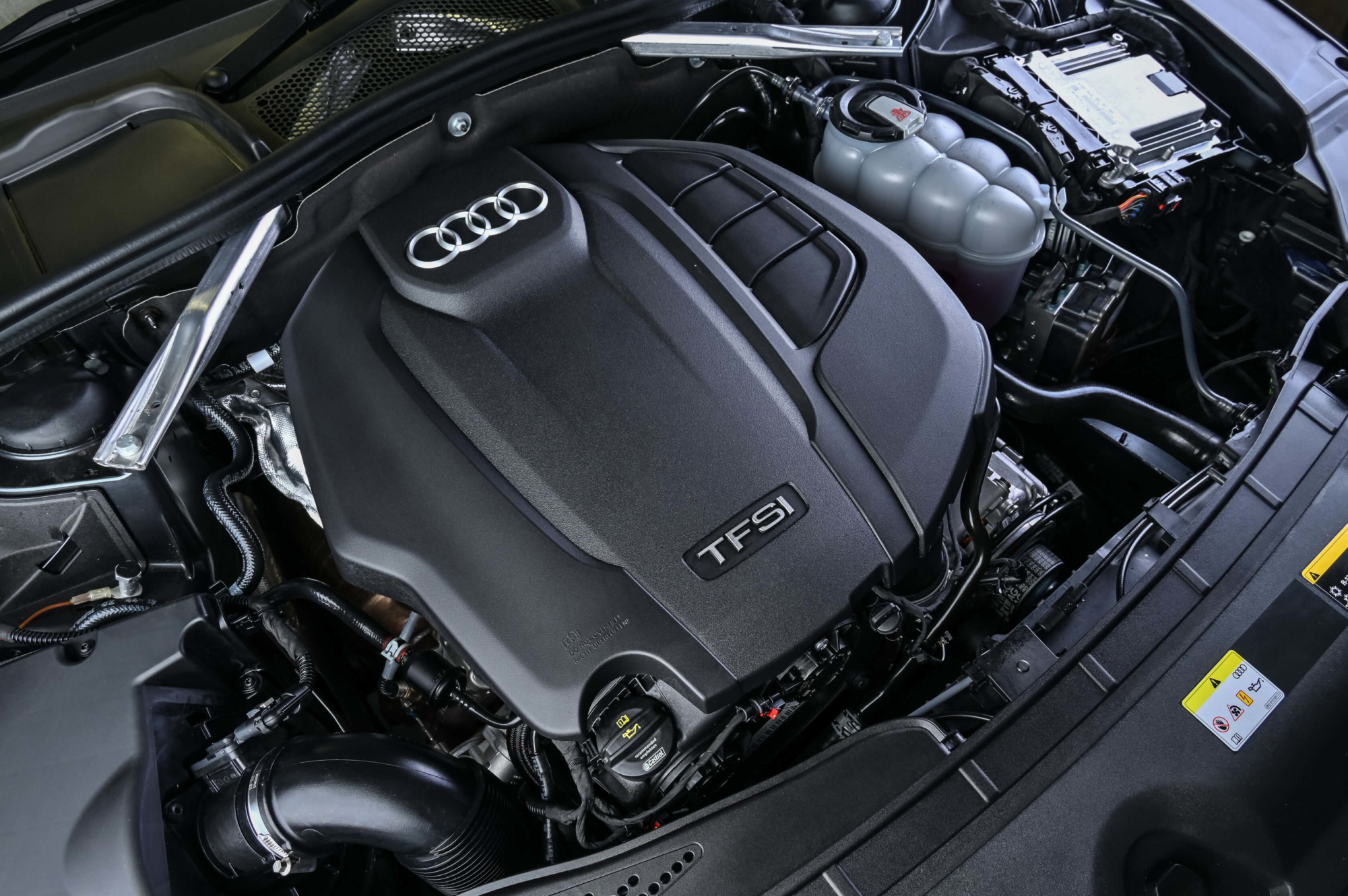 Facelifted Audi A4 engine