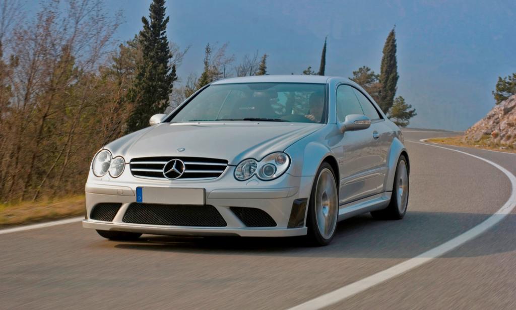 Mercedes-Benz CLK63 AMG Black Series (2)