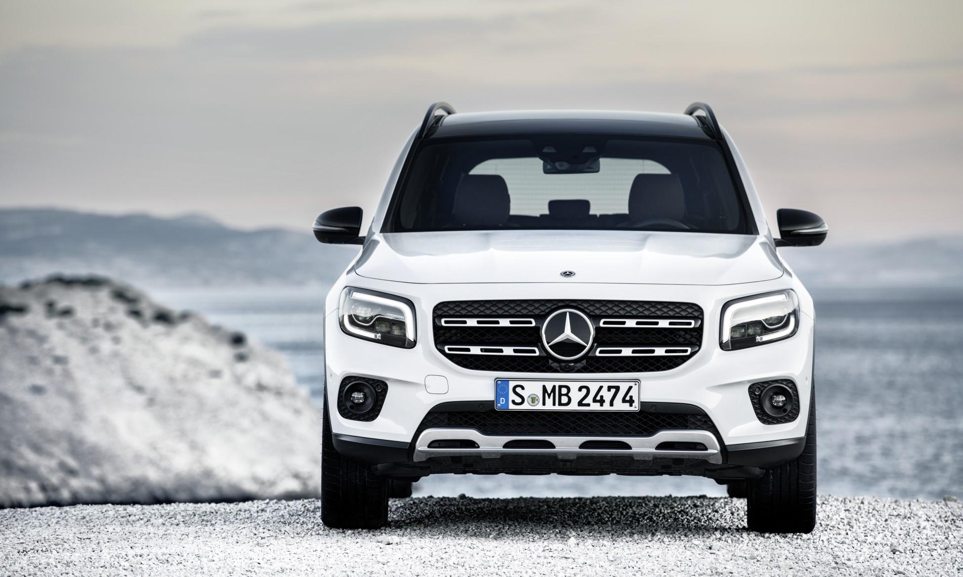 Mercedes-Benz GLB front