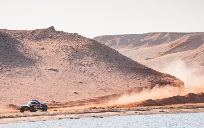 Carlos Sainz lost valuable time late in 2021 Dakar Stage 9 (Image A.Vincent DPPI)