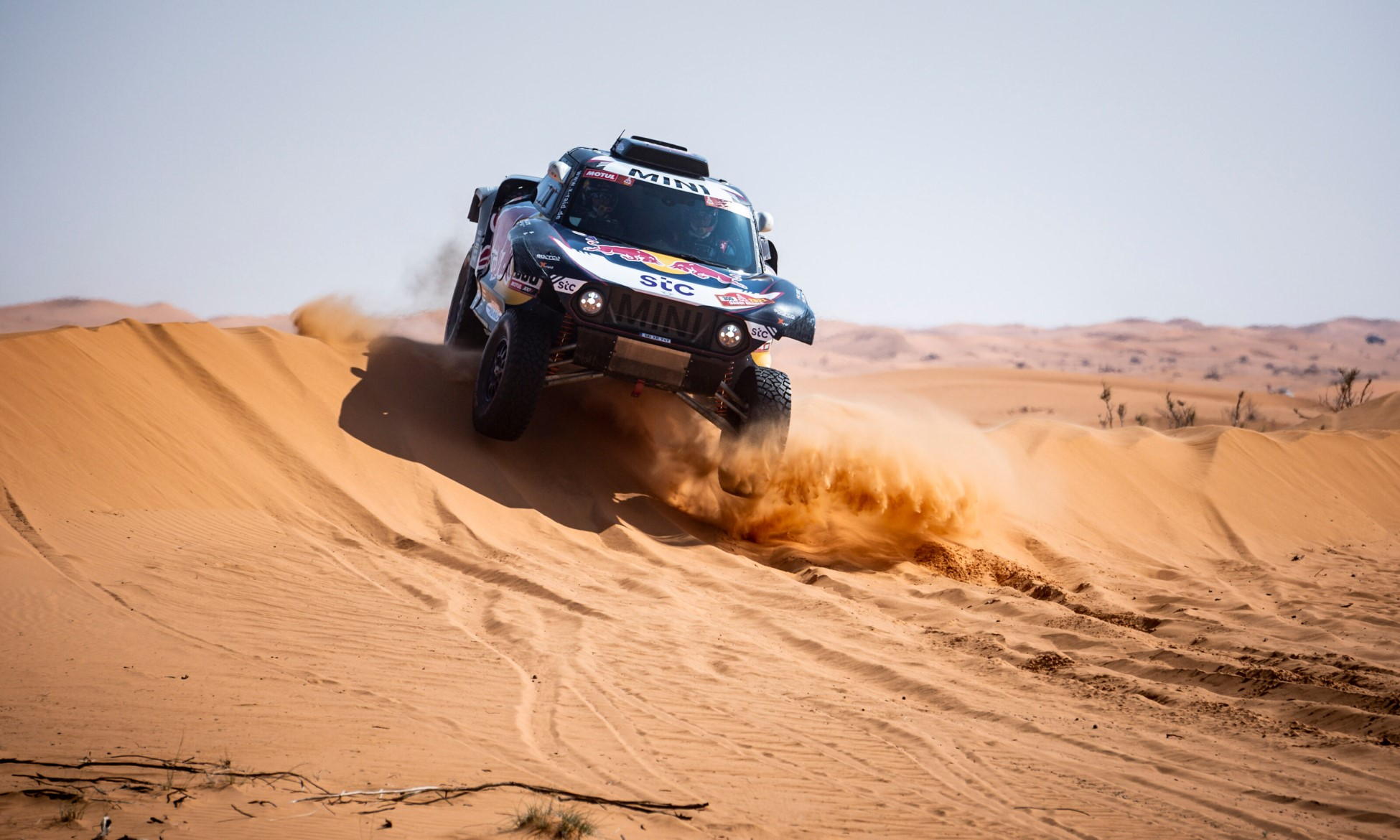 Carlos Sainz won 2021 Dakar Stage 6)
