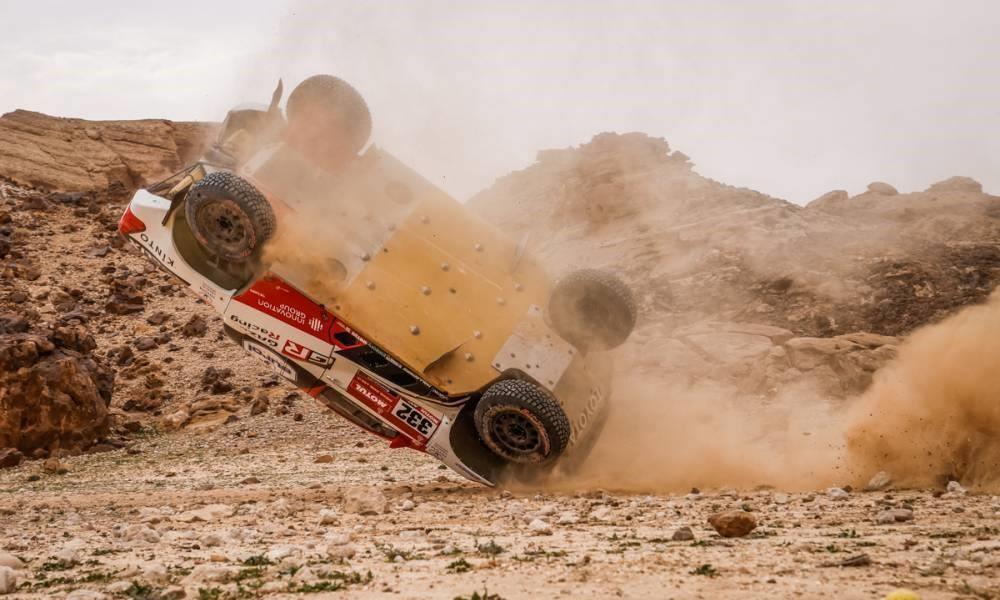 Henk Lategan crashed on 2021 Dakar Stage 5