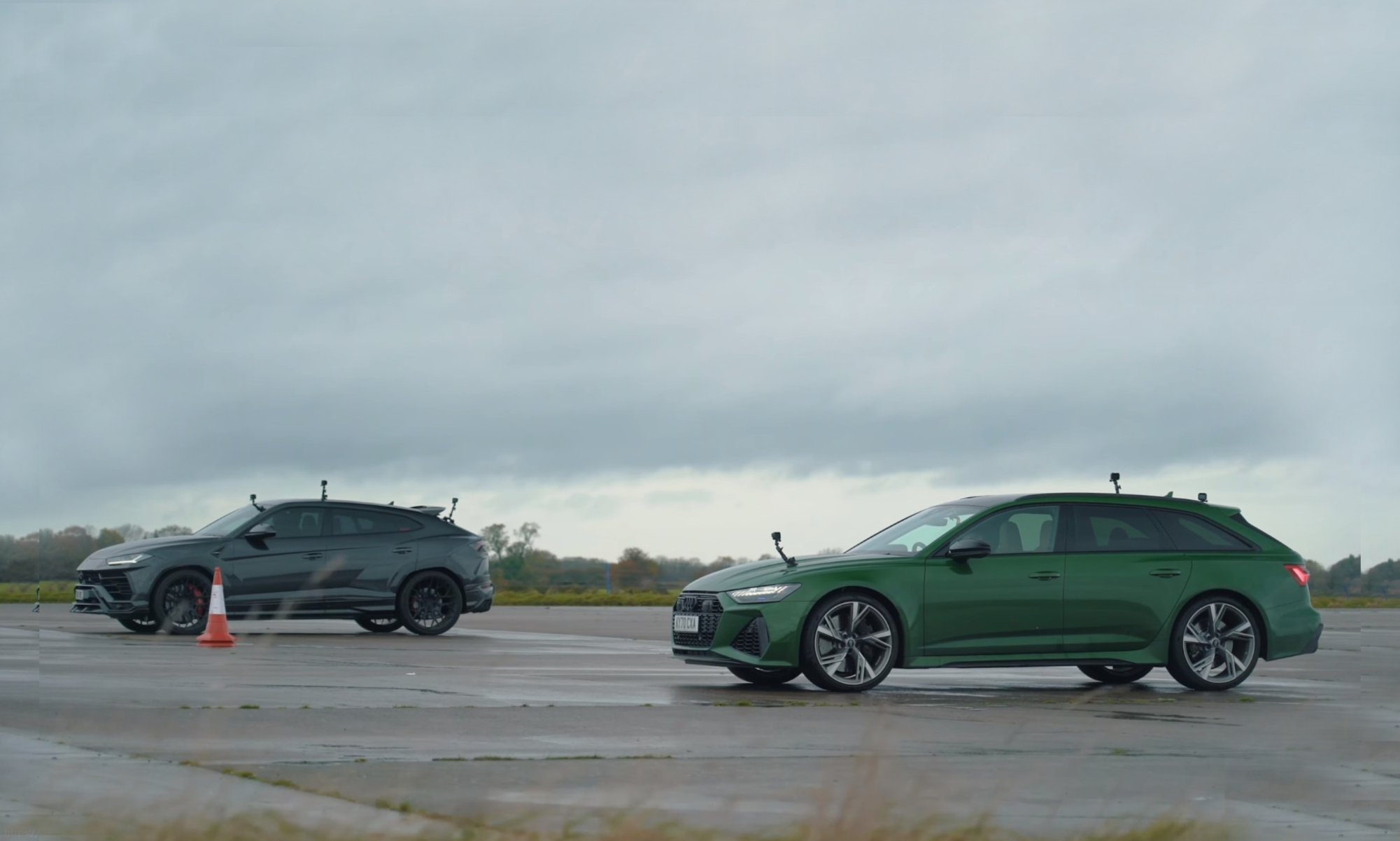 Lamborghini Urus vs Audi RS6 Drag Race