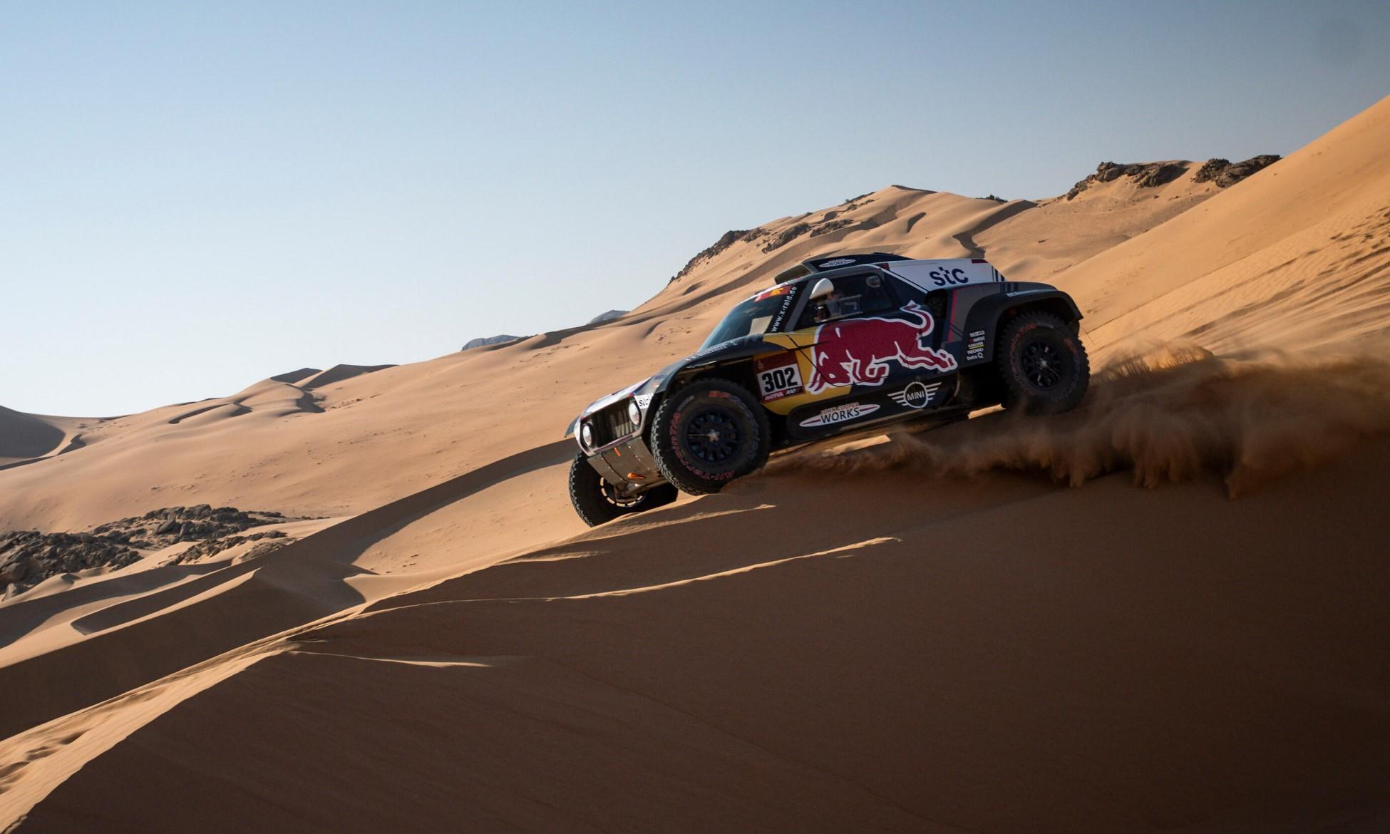 Peterhansel ran close to the leader on 2021 Dakar Stage 3