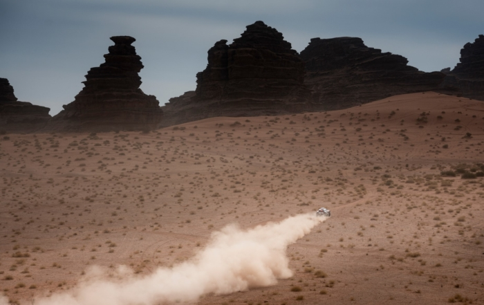 Carlos Sainz lost more time on 2021 Dakar Stage 10.