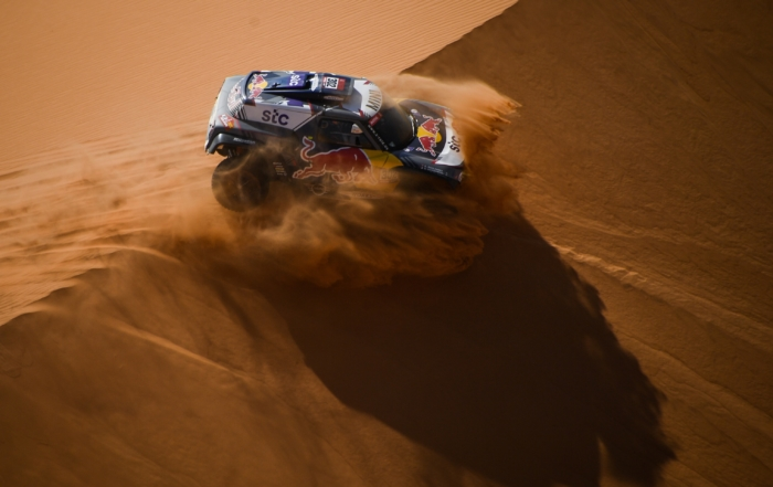 Stephane Peterhansel lost time in the overall standings on 2021 Dakar Stage 8
