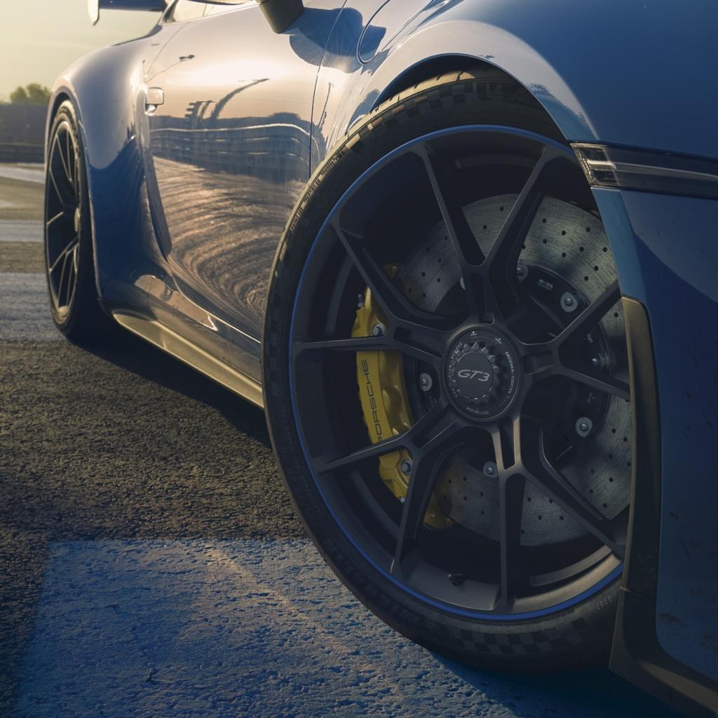 992 Porsche GT3 wheel