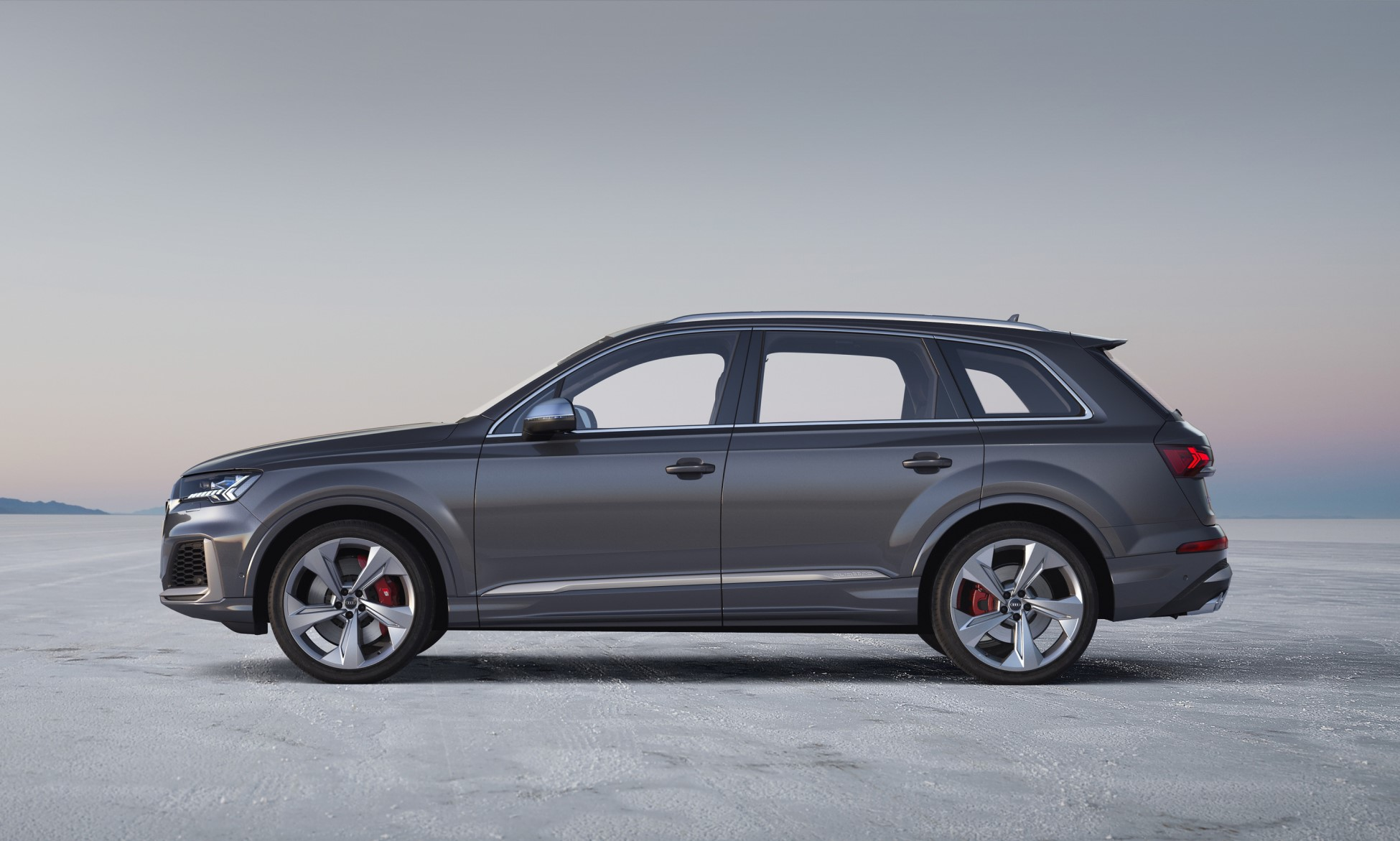 Audi SQ7 profile