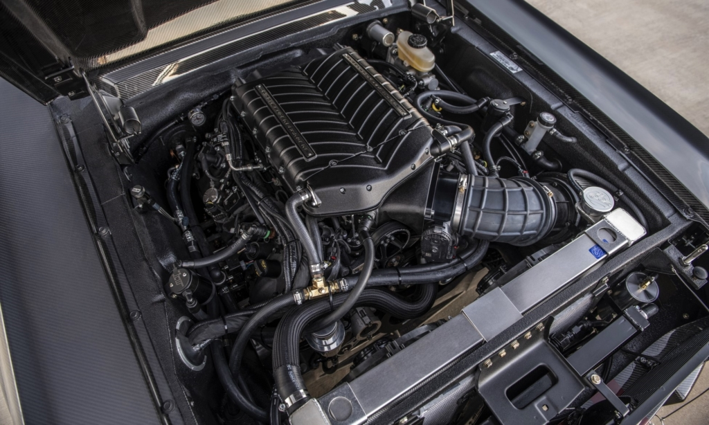 Carbon-Fibre Mustang GT500CR engine