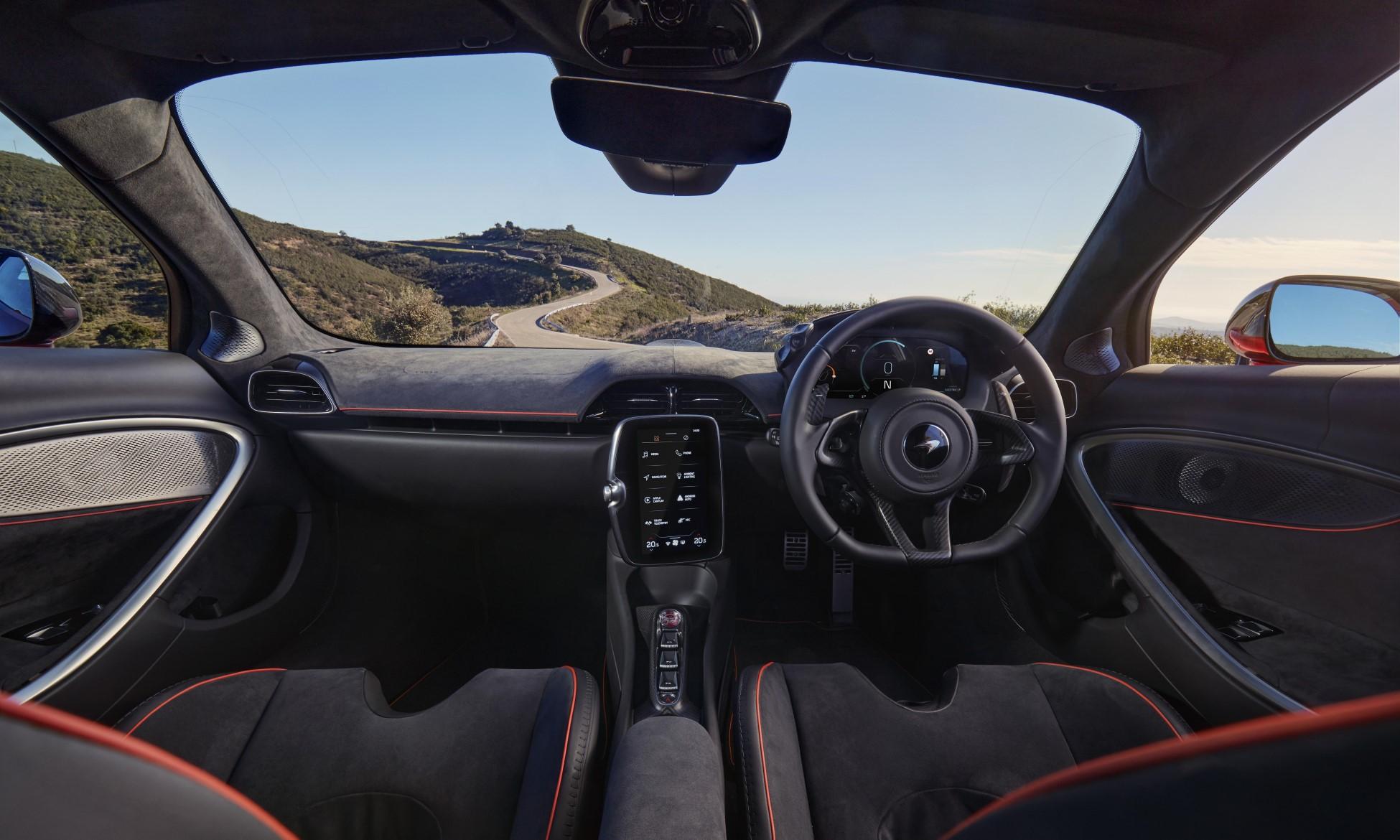 McLaren Artura interior