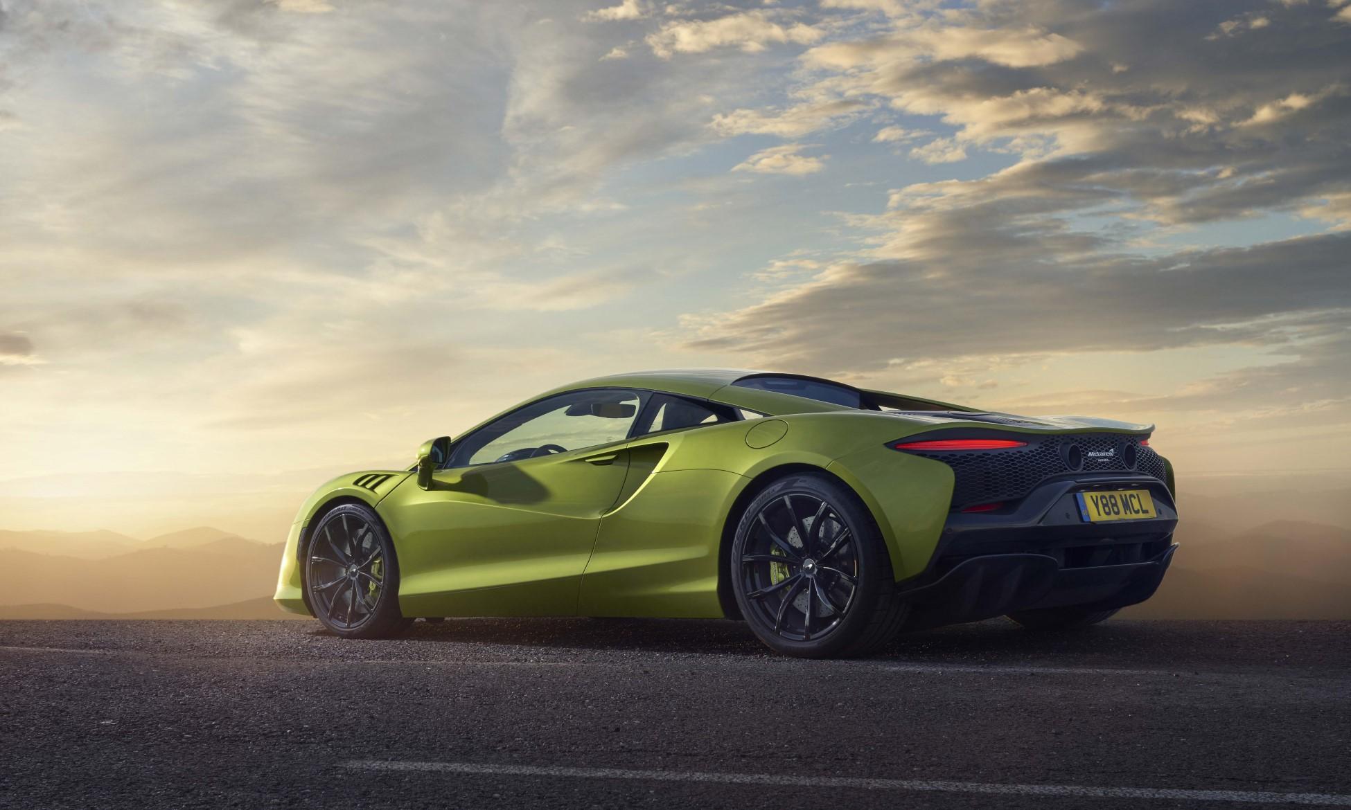McLaren Artura rear