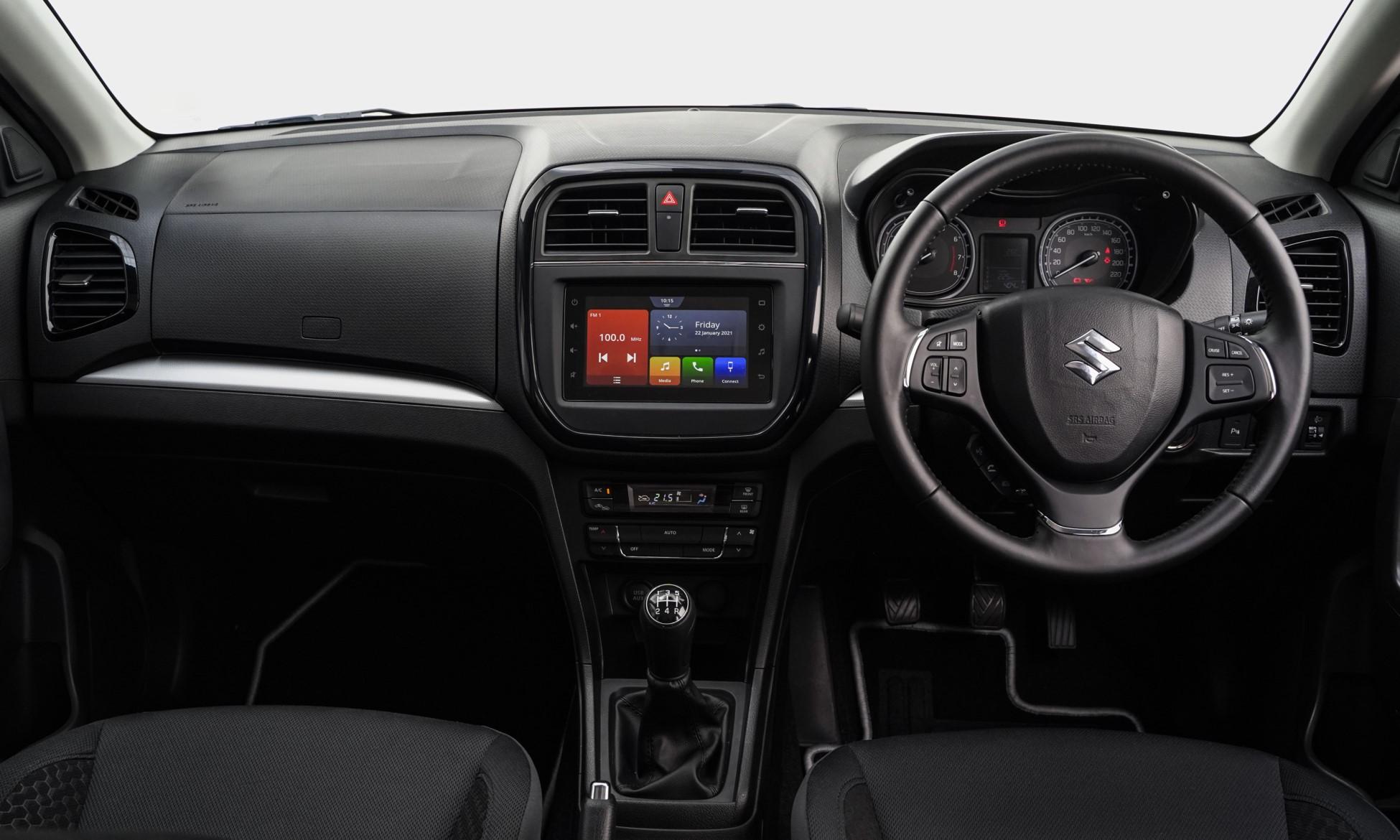 Suzuki Vitara Brezza interior