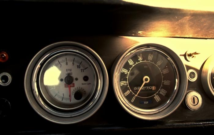 1968 Ford Cortina dials
