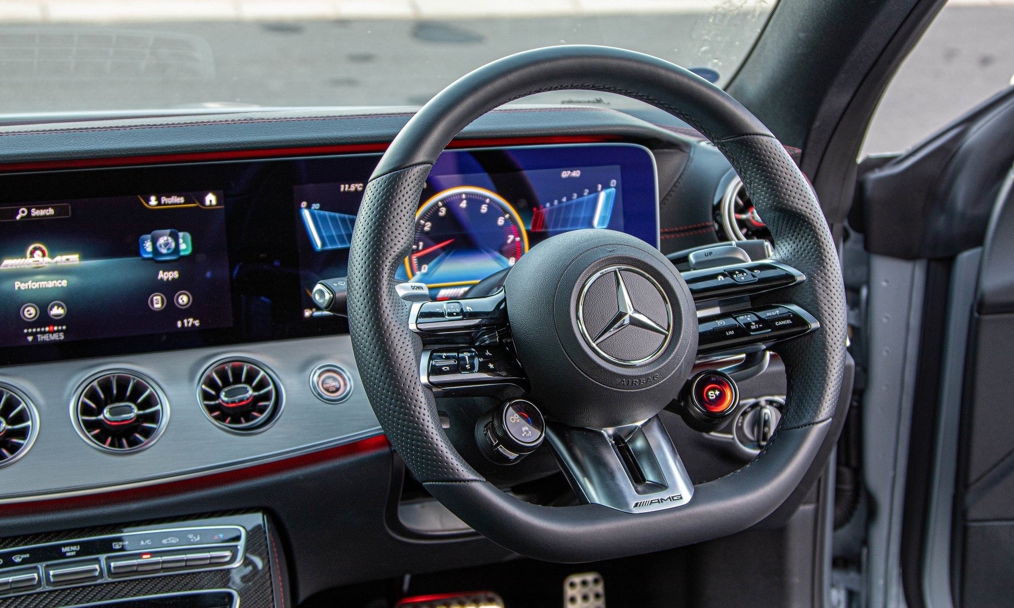 Mercedes-AMG E53 Coupe interior