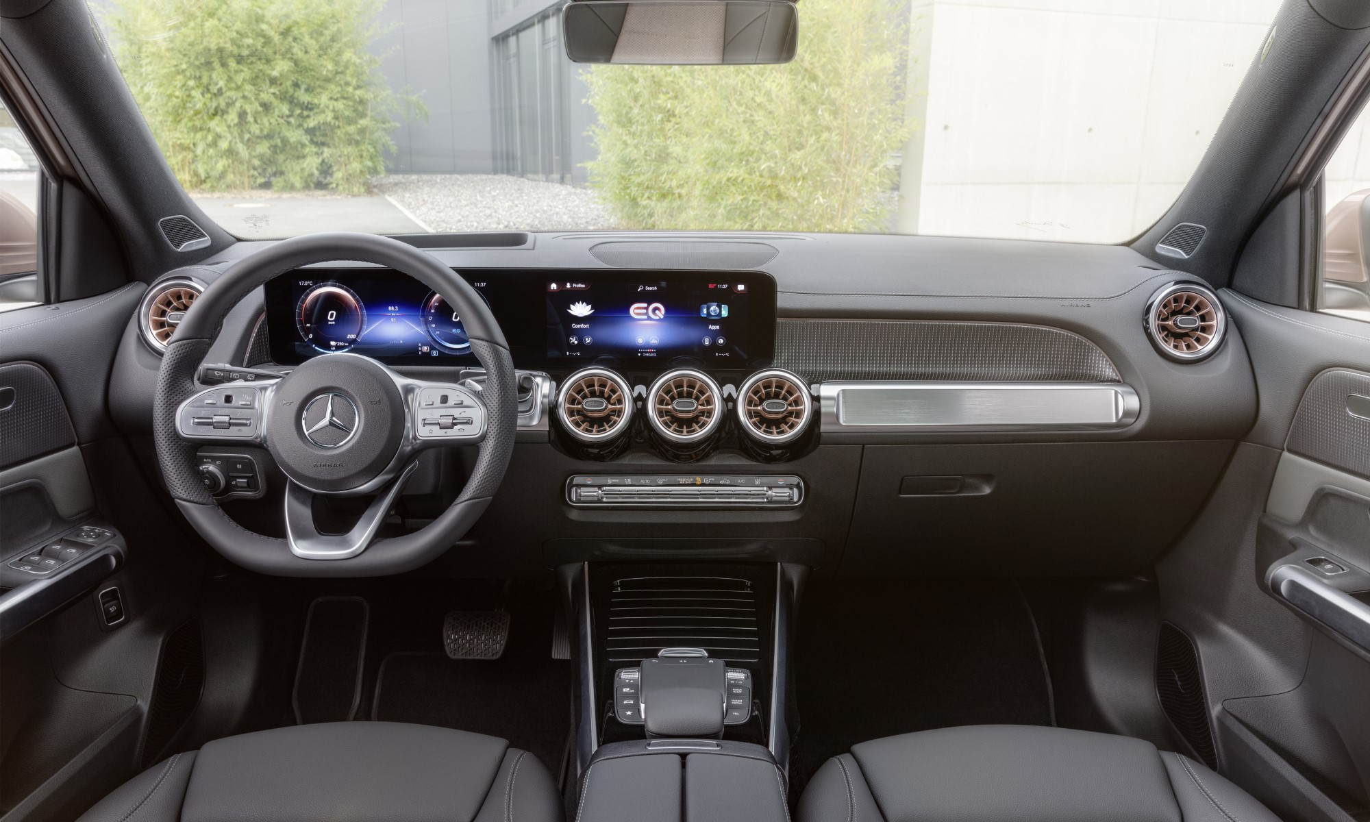 Mercedes-Benz EQB SUV interior