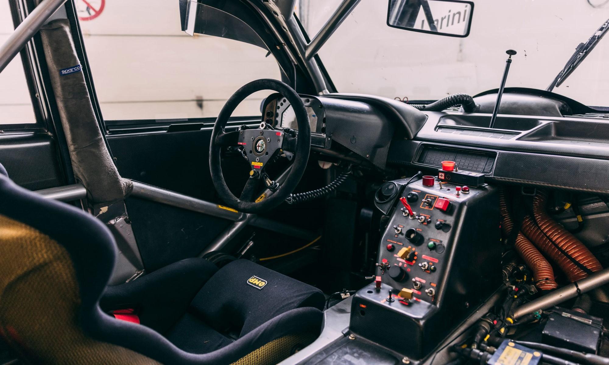 Alfa Romeo 155 V6 Ti interior
