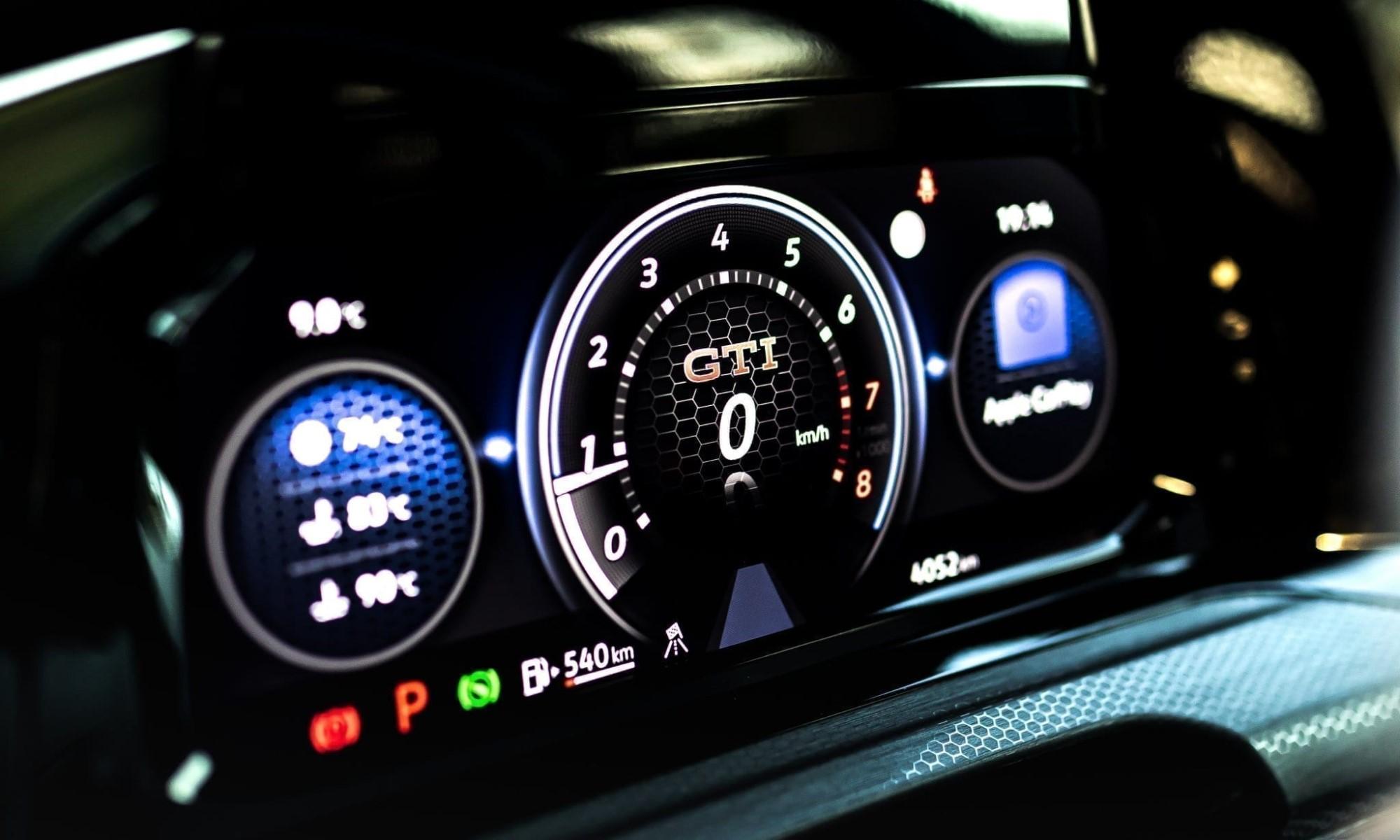 Manhart Golf GTI 290 instrument