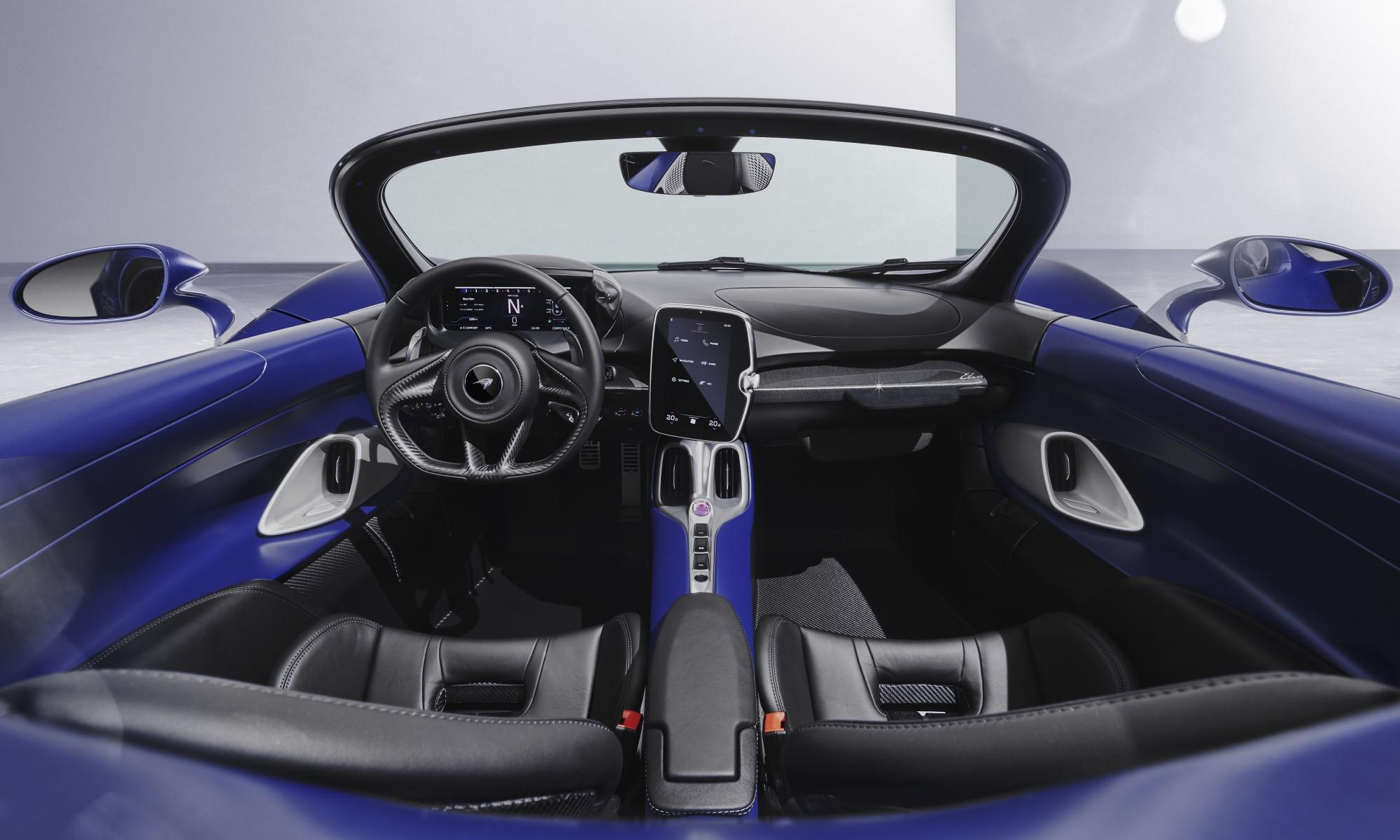 McLaren Elva With Windscreen interior