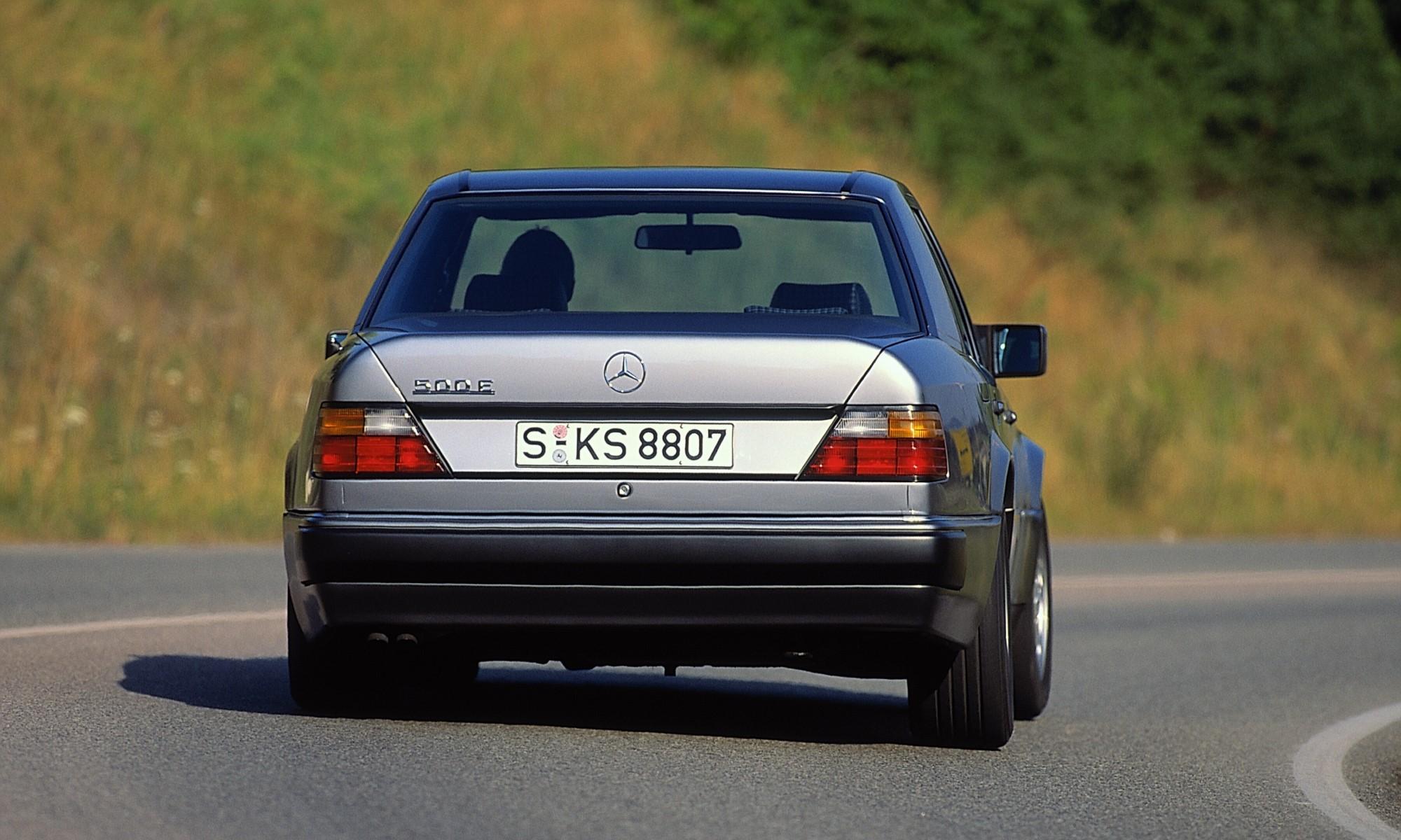 Mercedes-Benz 500E rear