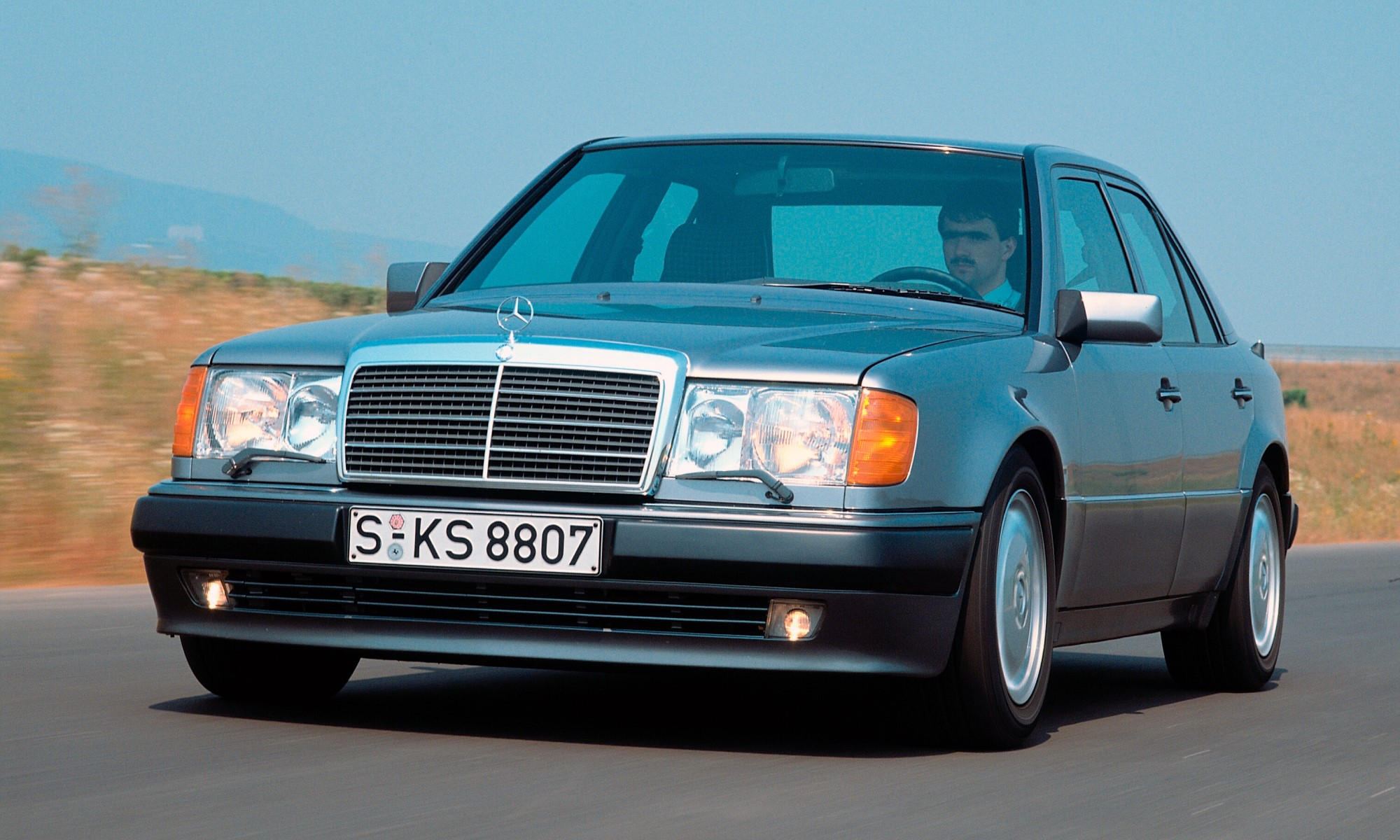 Mercedes-Benz 500E tracking