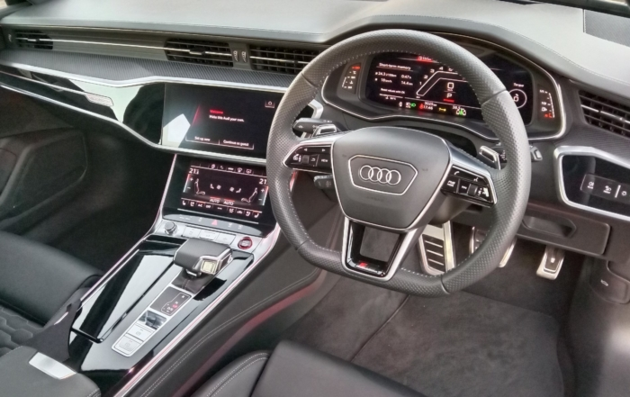 Audi RS6 Avant interior