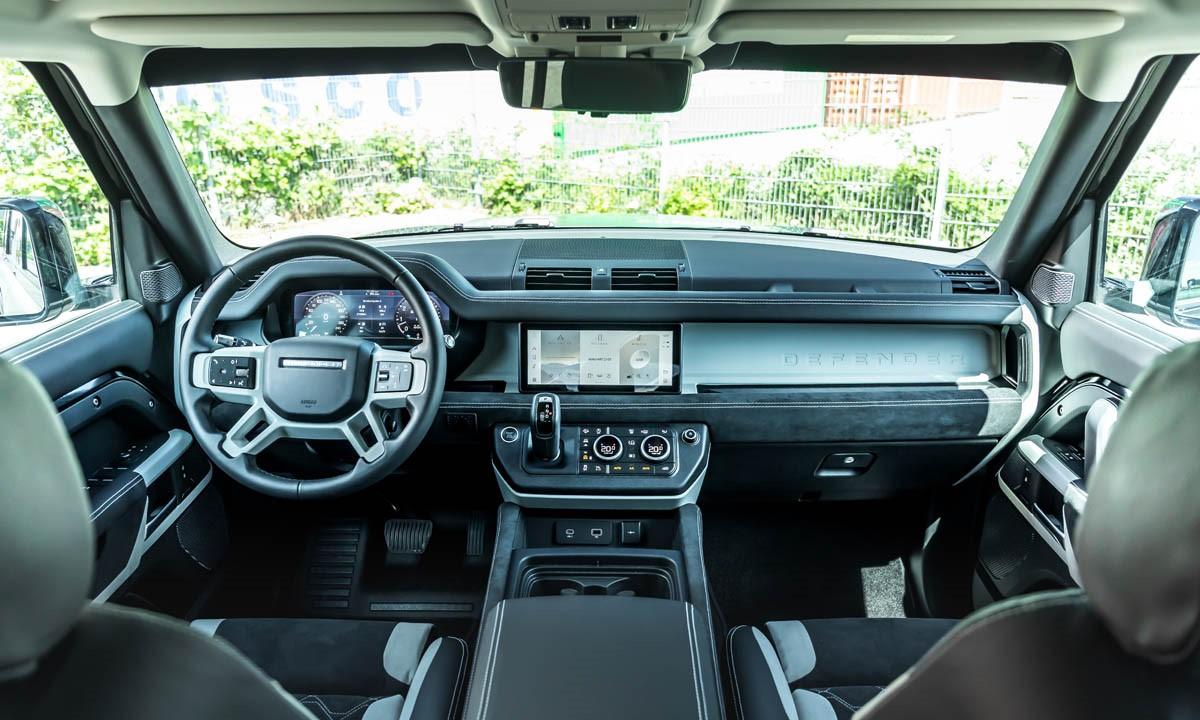 Manhart Performance Defender DP500 interior