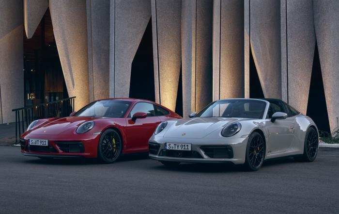 Porsche 911 Carrera GTS versions