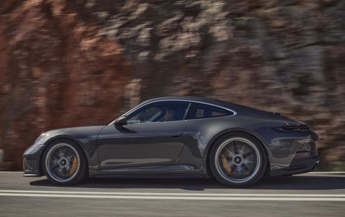 Porsche 911 GT3 Touring side