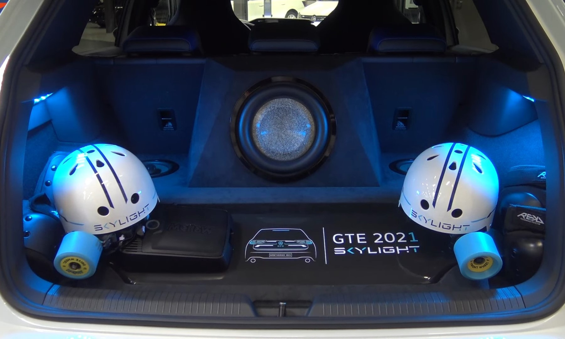 VW Golf GTE Skylight boot