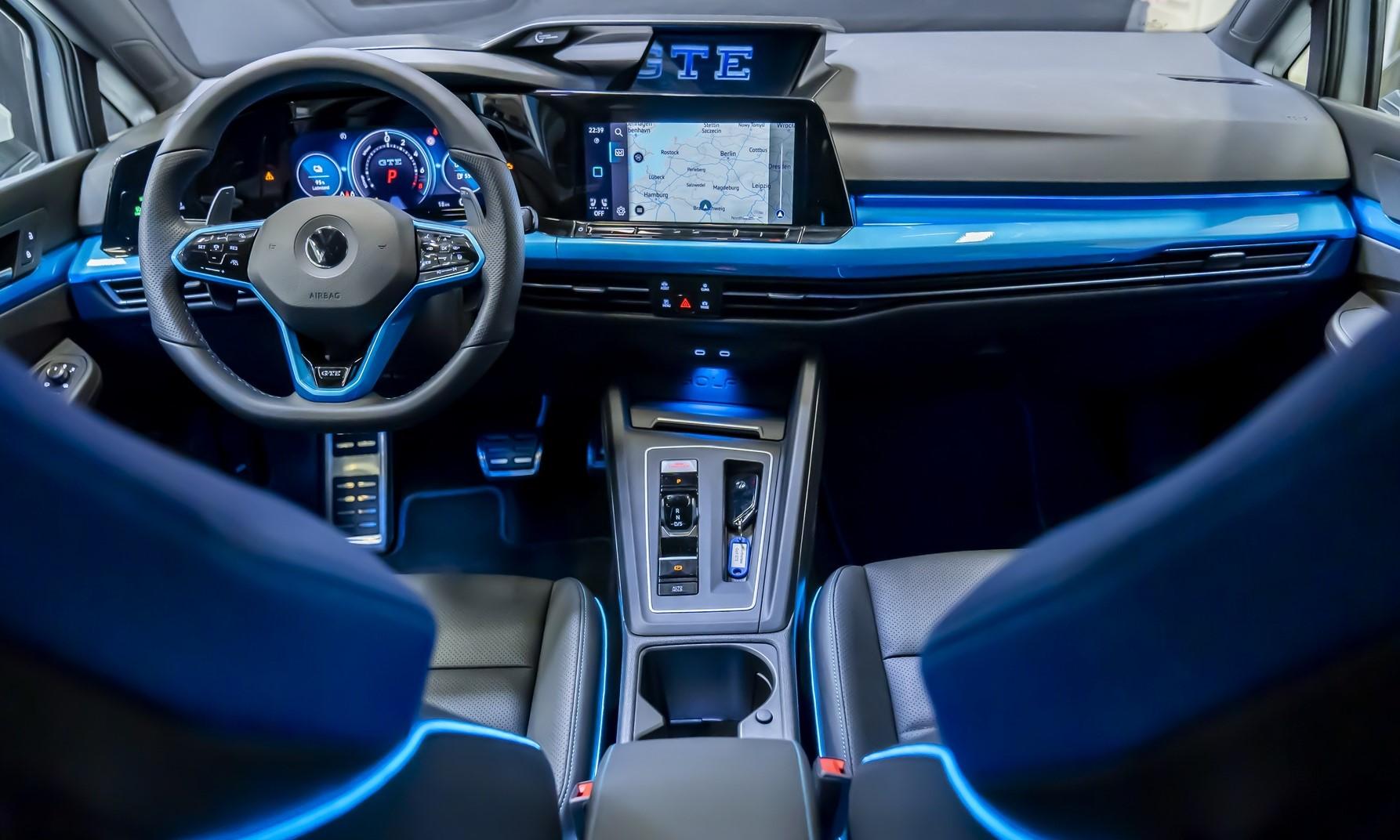 VW Golf GTE Skylight interior