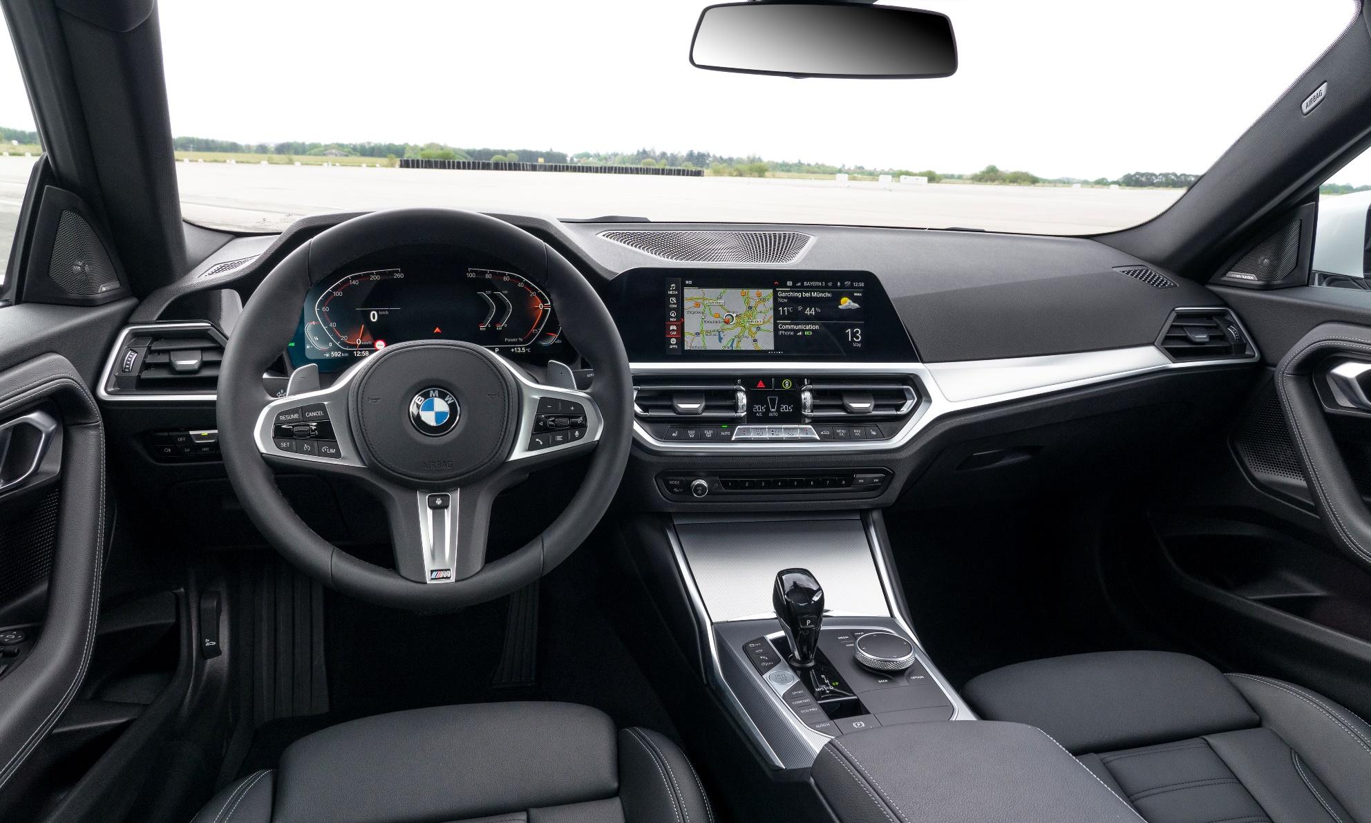 BMW 2 Series Coupe interio