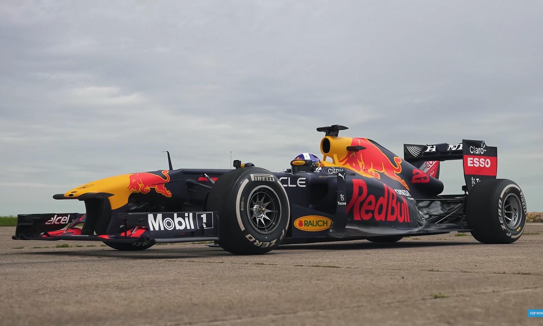 F1 vs Modified Cars