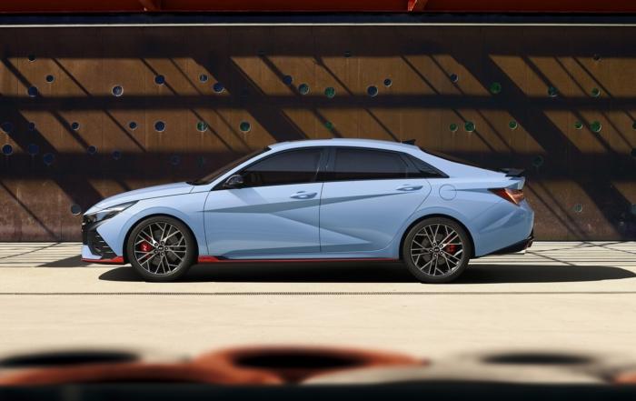 Hyundai Elantra N debuts profile