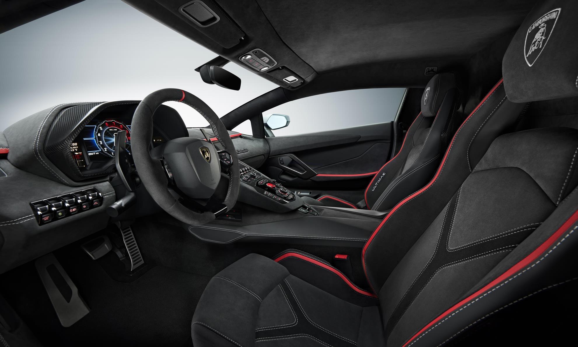 Lamborghini Aventador LP780-4 Ultimae interior