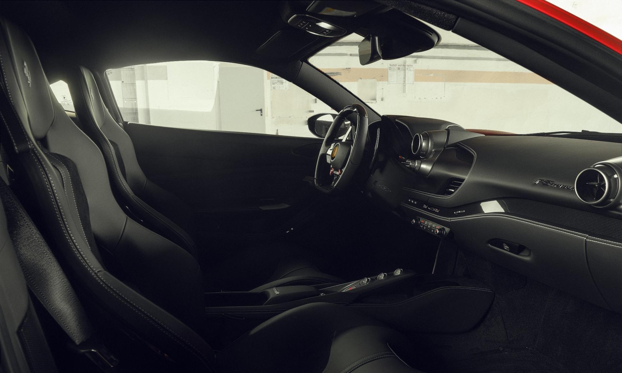 Novitec N-Largo Ferrari F8 Tributo interior