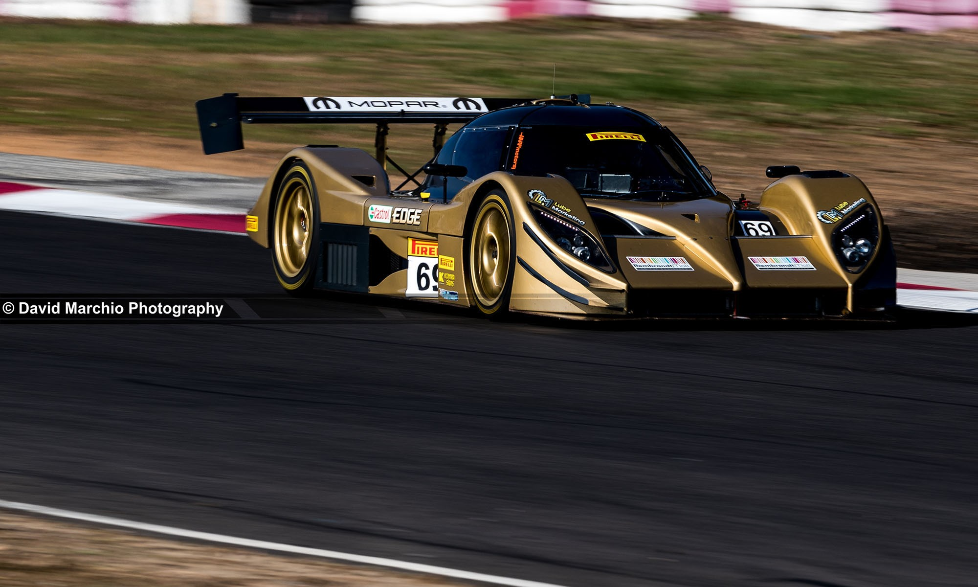The Aquila CR1 lead for several laps before an unfortunate pit lane fire caused its withdrawal