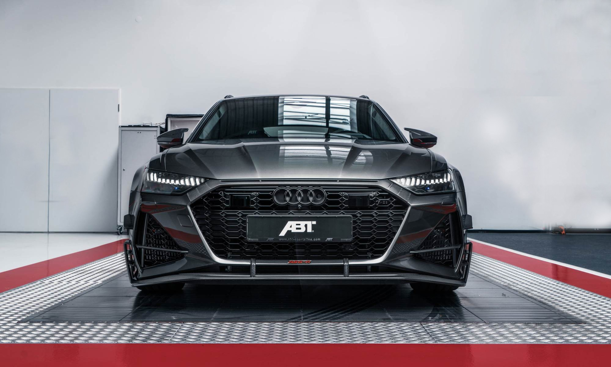 Audi ABT RS6-R front edit