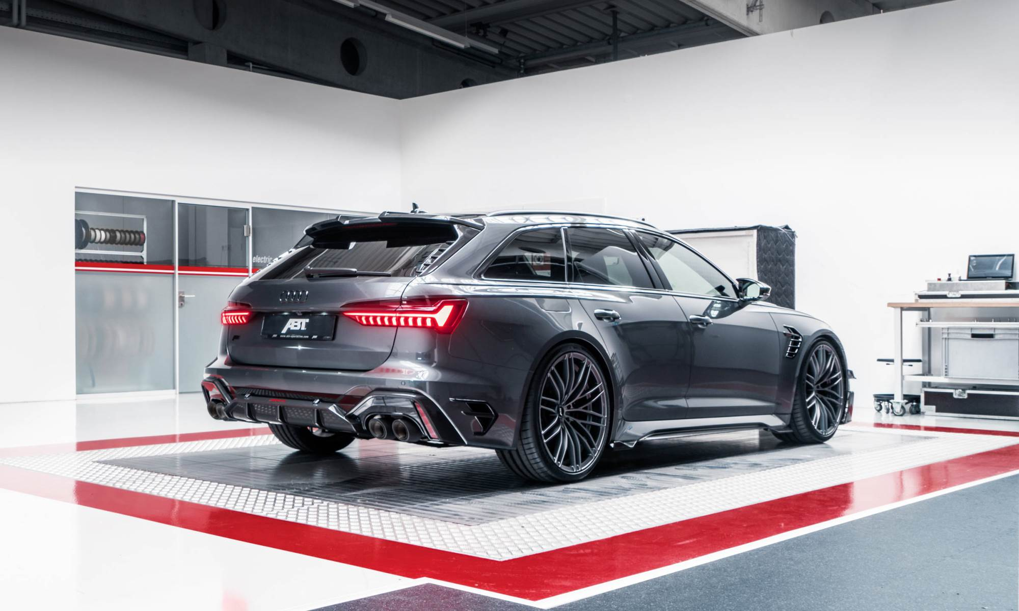 Audi ABT RS6-R rear