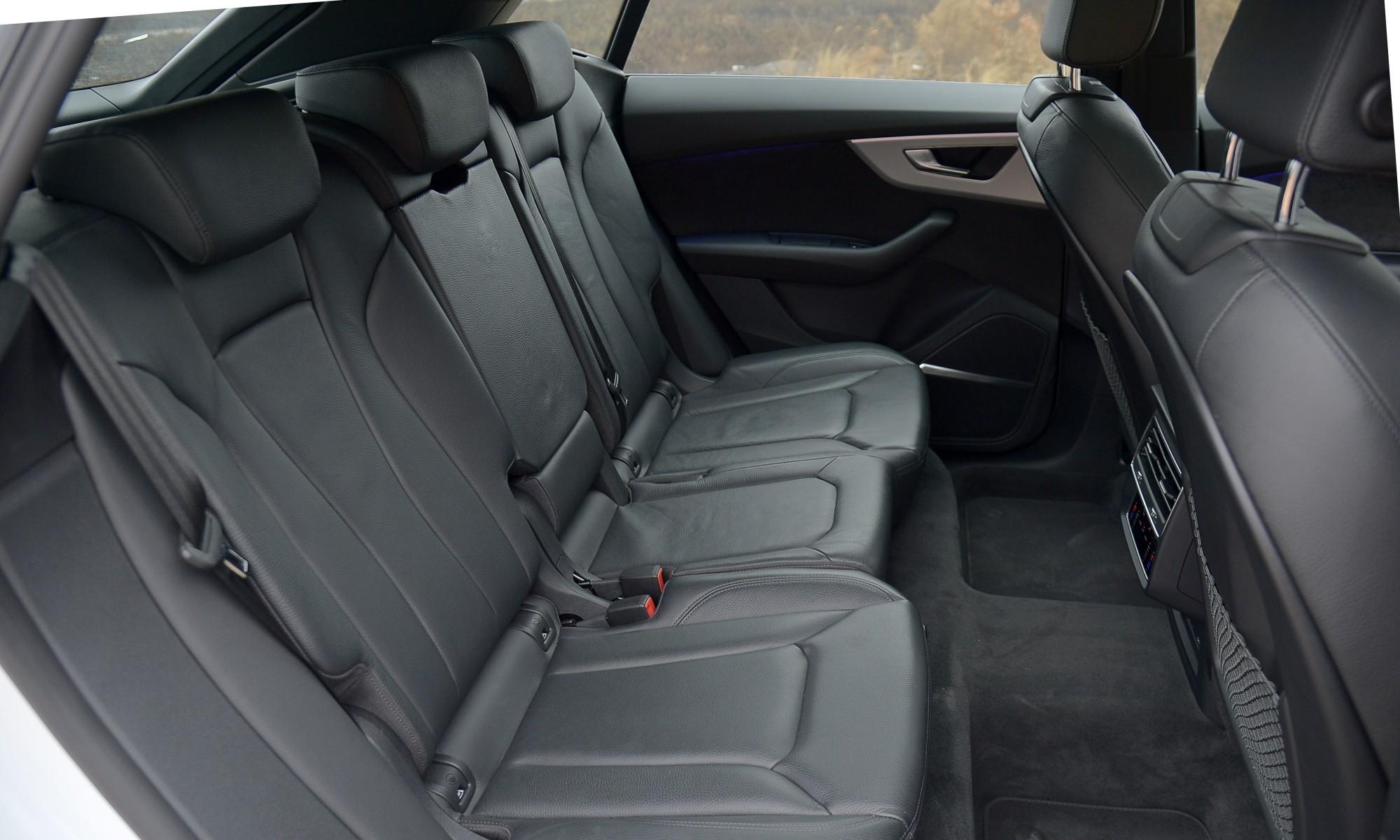 Audi Q8 55 TFSI rear cabin