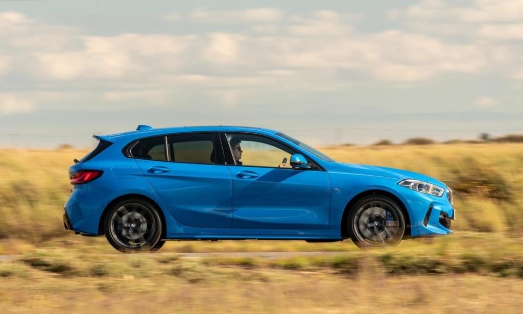 BMW 118i profile