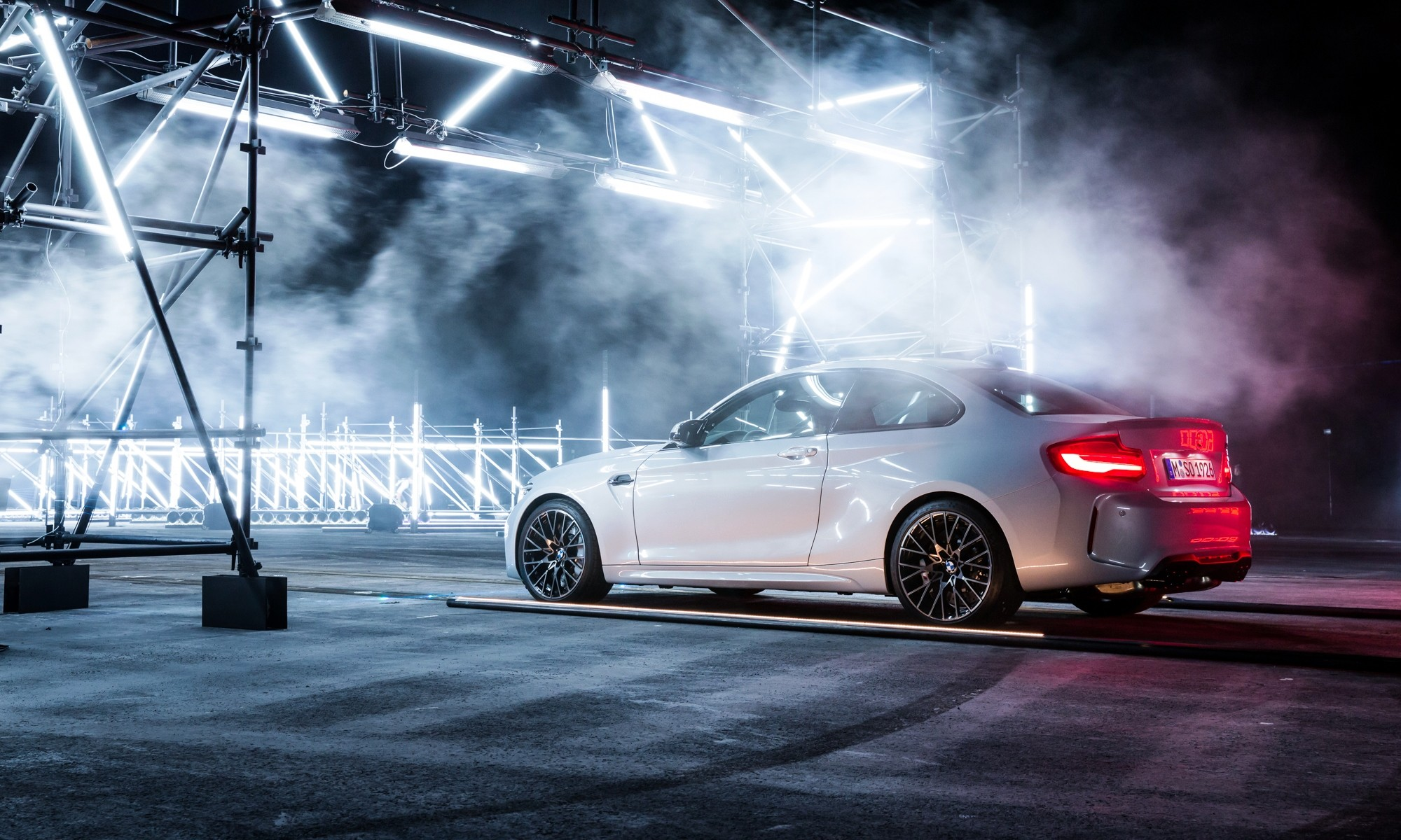 BMW M2 Competition about to set off on a its record-breaking run