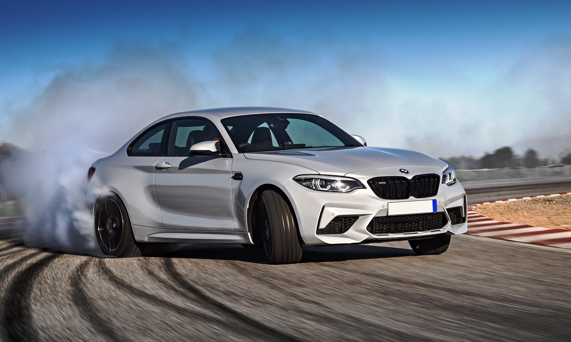 bmw m2 competition claims two new world records held by humans. Black Bedroom Furniture Sets. Home Design Ideas