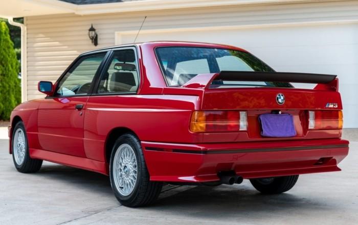 BMW M3 Fetches R4,1m (2)