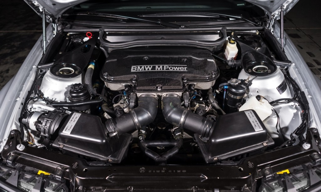 BMW M3 GTR engine