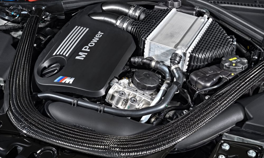 BMW M4 CS engine