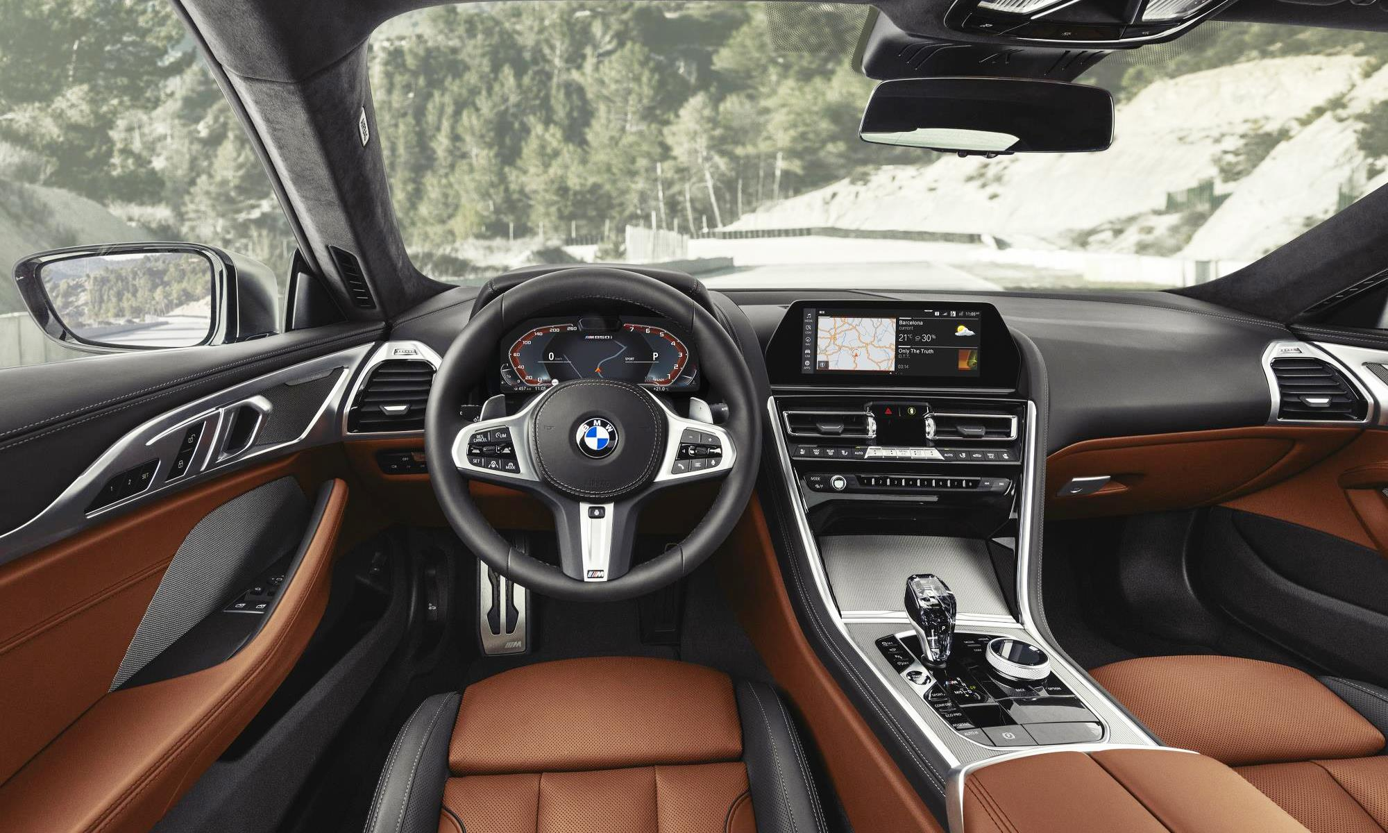 BMW M850i xDrive interior