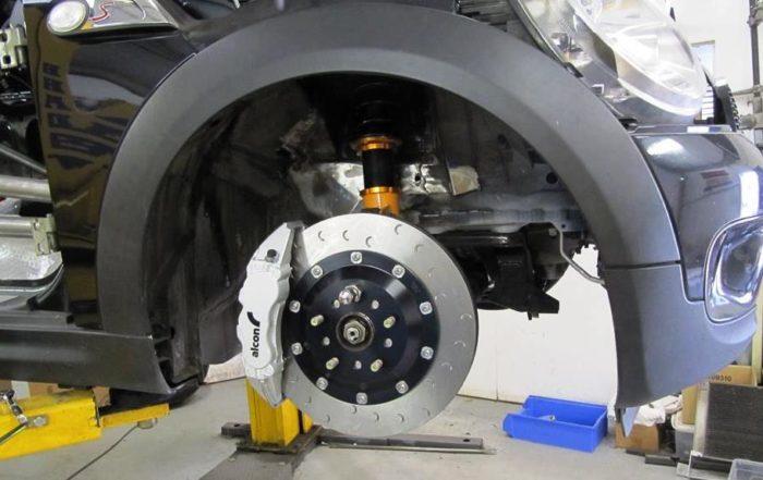 BMW V8-Engined Mini brakes