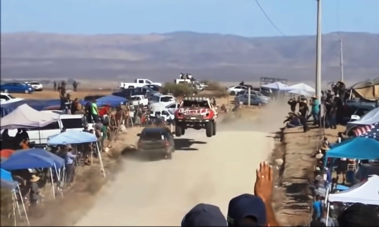 Baja 1000 near miss [video]