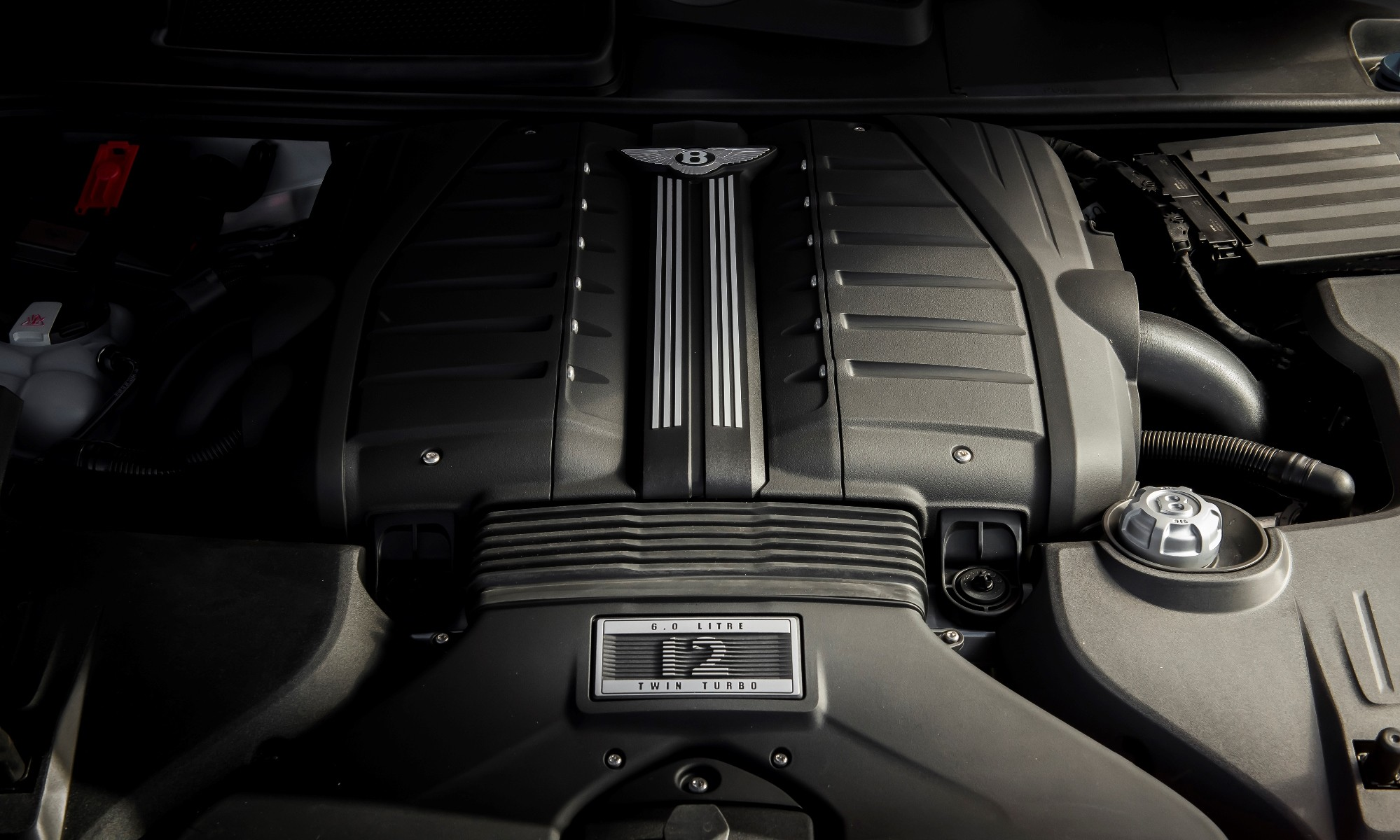 Bentley Bentayga Speed engine
